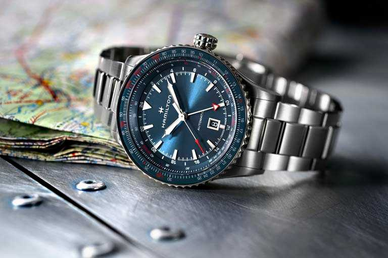 漢米爾頓「Khaki Aviation卡其飛行」系列「Converter GMT Auto」兩地時區腕錶,44mm╱47,900元。(圖╱HAMILTON提供)