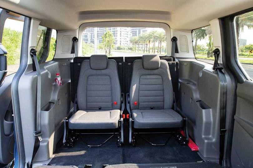 空間可變化成1至7人座,且座椅翻摺相當簡易。(圖/黃耀徵攝)