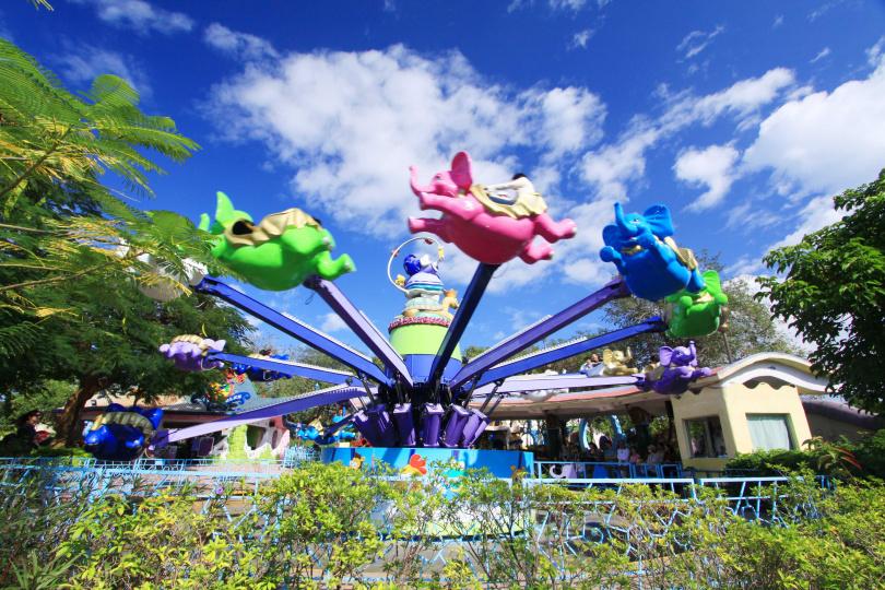 麗寶樂園推出下殺五折的「樂園日式餐飲套票」未來券,民眾還可搭乘摩天輪。