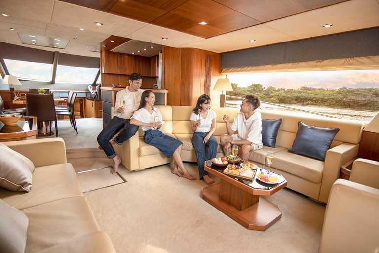 疫情趨緩,台南大員皇冠假日酒店首次與燦星旅遊、BMW台南汎德三大品牌跨界合作。