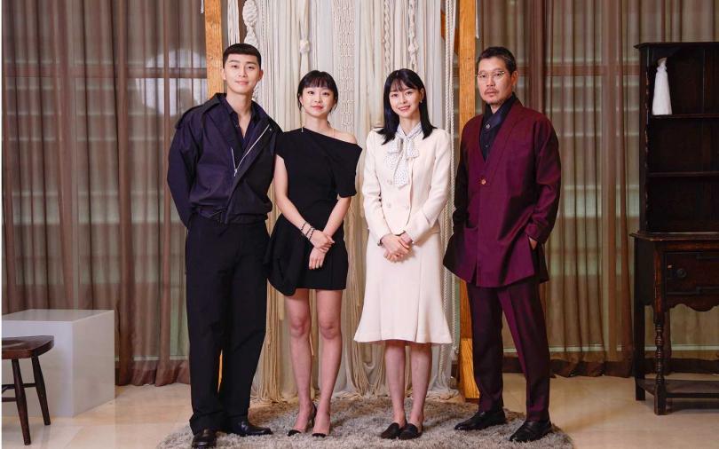 朴敘俊(左起)、金多美、權娜拉和劉在明今出席記者會分享拍攝心得。(圖/Netflix提供)