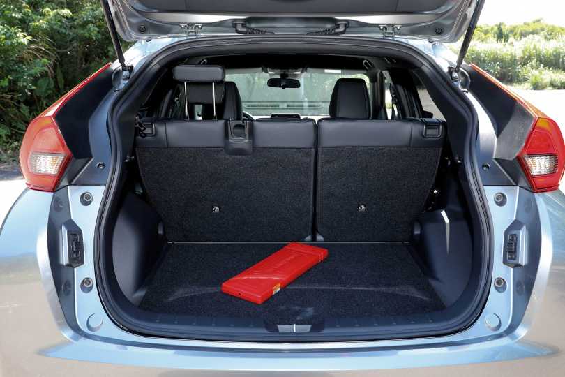 行李廂容積為374升,若將後座前傾,可獲得更寬廣的置物空間。(圖/王永泰攝)