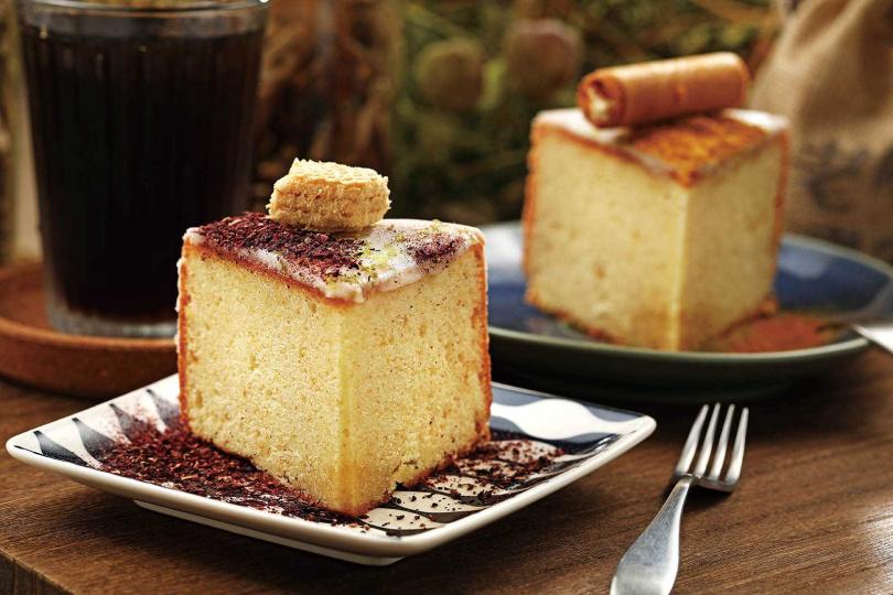 今年7月推出的青草甜點「洛神/橘香檸檬磅蛋糕」,清爽不膩口。(各120元)(圖/于魯光攝)