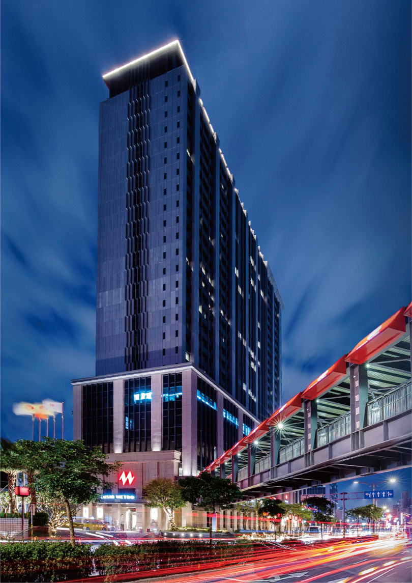 凱達大飯店離龍山寺捷運站2號出口步行僅需3分鐘,交通便捷。