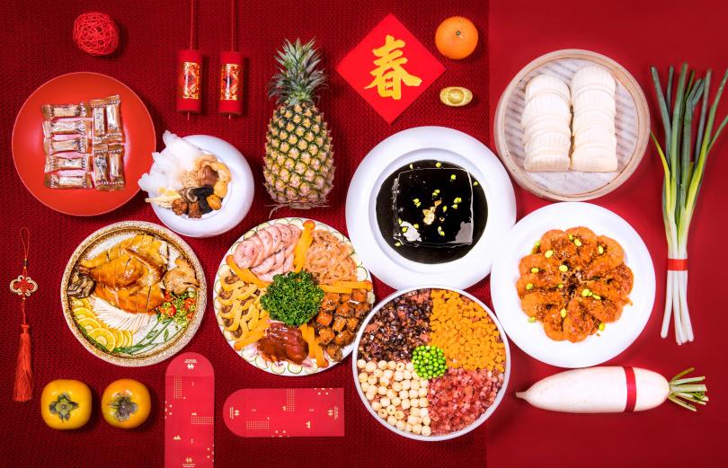 「牛轉乾坤年菜套餐」於2021年1月31日前預訂付款,即享早鳥8折優惠。