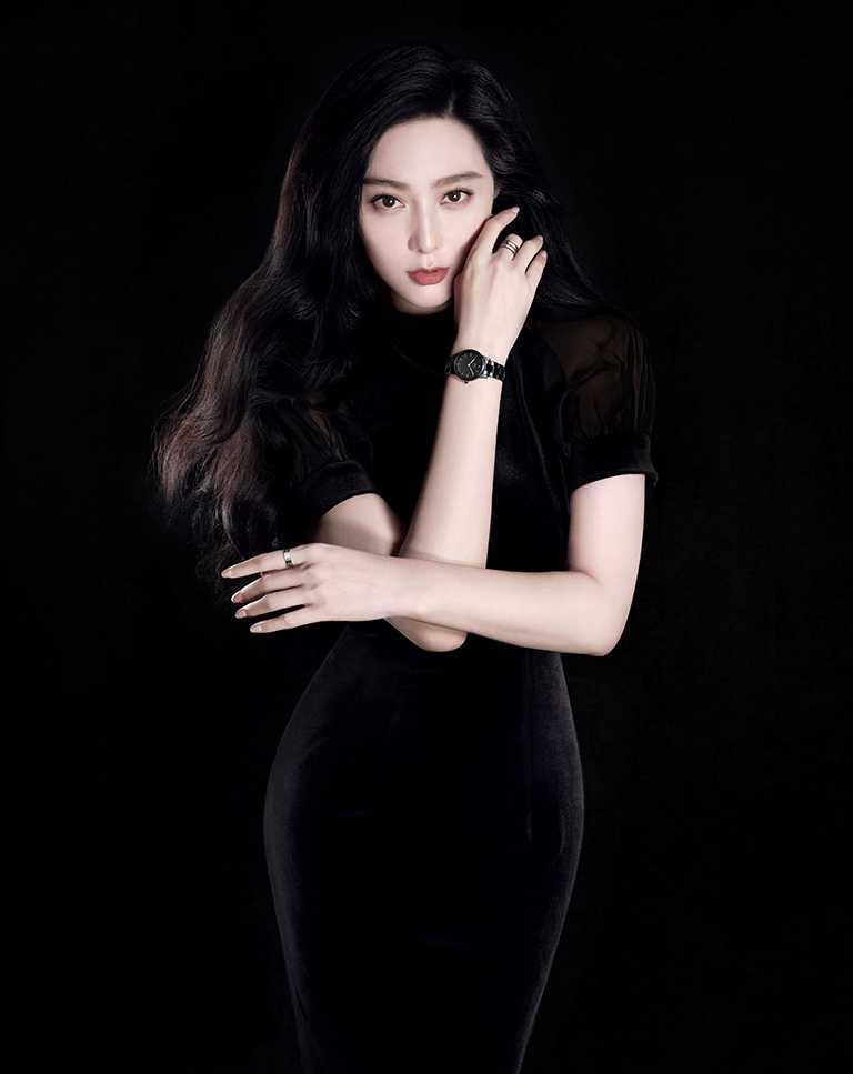 國際女神范冰冰榮登DW全球代言人,耀眼詮釋全新「Iconic Link Ceramic」黑瓷錶形象。(圖╱Daniel Wellington提供)
