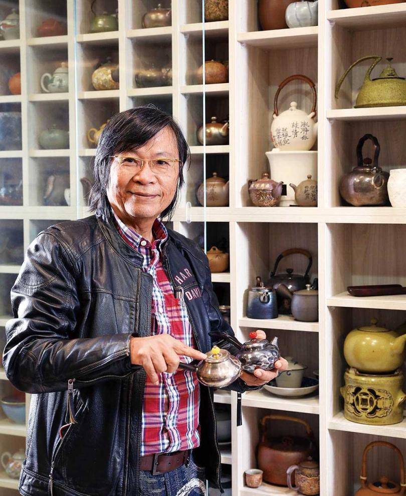 茶文化專家吳德亮建議,若要喝冷泡茶,綠茶是較好的選擇。(圖/王永泰攝)