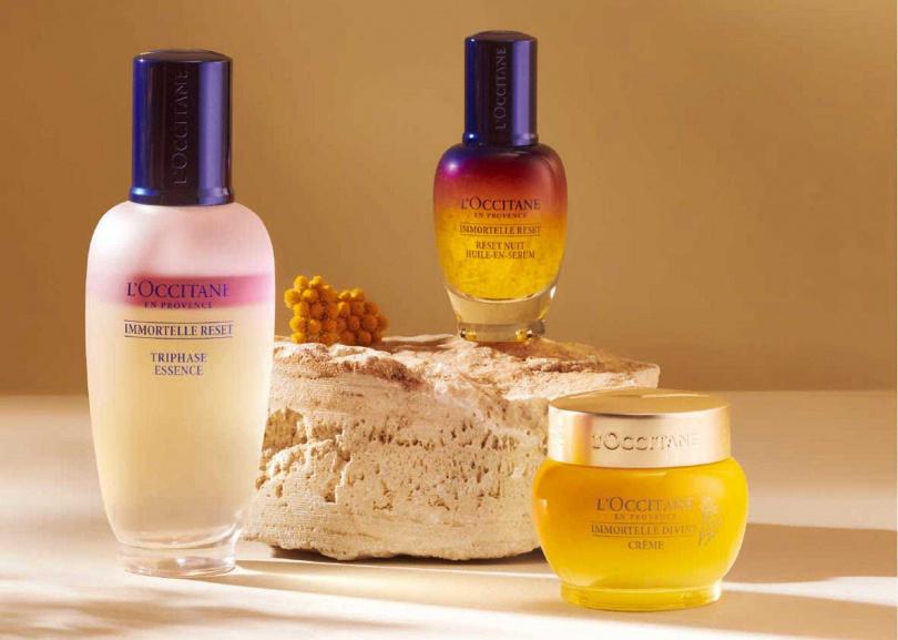 最推薦搭配「光萃肌活精華水」跟「蠟菊賦活極萃霜」一起用。(圖/品牌提供)