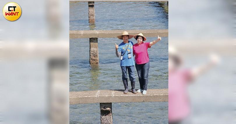 「鮮物本舖」創辦人李勝興夫婦,多年前返鄉接手家中鮑魚養殖事業,現致力於推廣食農教育。(圖/于魯光攝)