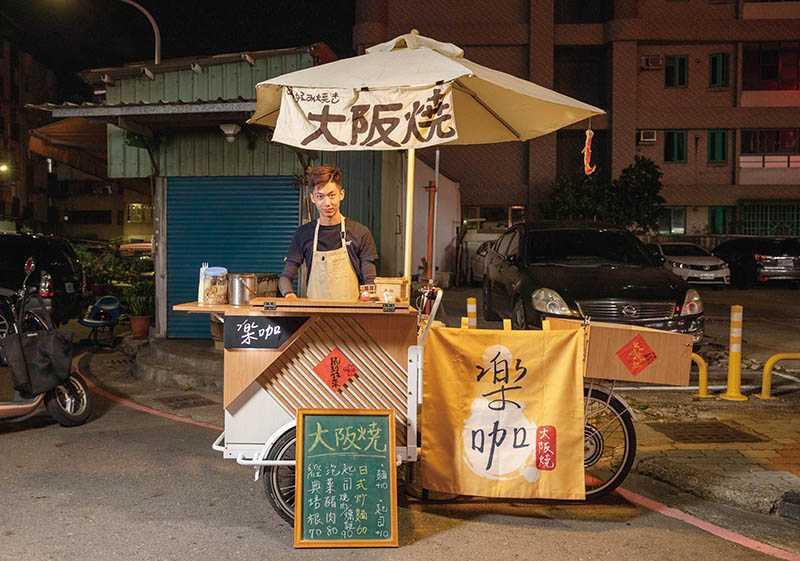 國立高雄餐旅大學畢業的陳家輝,對產品投注相當大的心力。(圖/宋岱融攝)