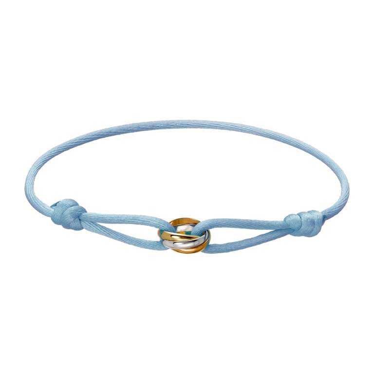 Cartier「Trinity de Cartier系列」嬰兒藍絲繩手環╱17,700元。(圖╱Cartier提供)