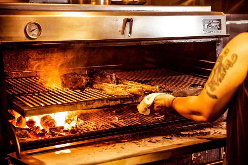 外皮焦脆、內多汁肉嫩的肉質,深受許多肉食主義者喜愛!
