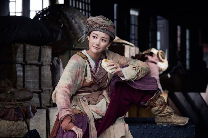 李一桐憑著黃蓉一角獲得「年度新銳劇星獎」及「電視劇新人獎」。(圖/中天提供)