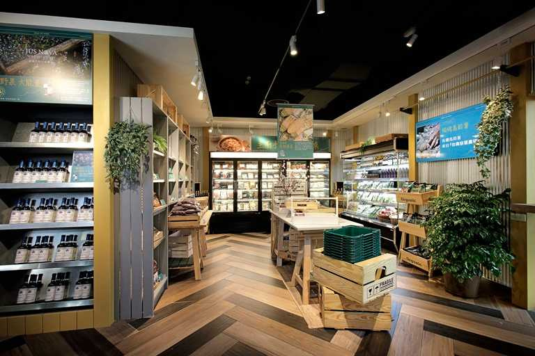 除用餐外,多樣選物的市集也是強調的特色。