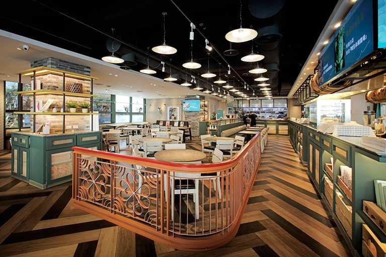 「欣葉 · 生活 · 廚房」用餐空間十分寬敞。