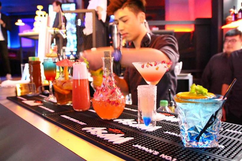 「BOX Taipei」VR餐酒館提醒您:【 嚴禁酒駕.未成年禁飲酒 】