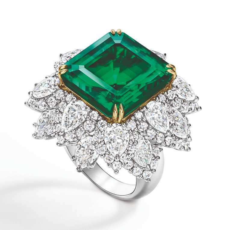 HARRY WINSTON「洛克菲勒‧溫斯頓」祖母綠戒指╱480,000,000元。(圖╱HARRY WINSTON提供)