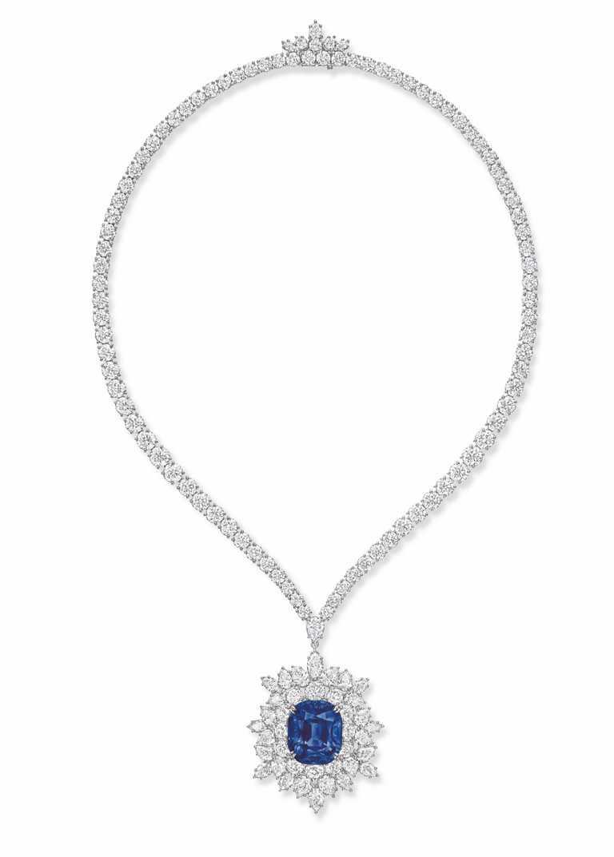 HARRY WINSTON藍寶石鑽石項鍊╱92,000,000元。(圖╱HARRY WINSTON提供)
