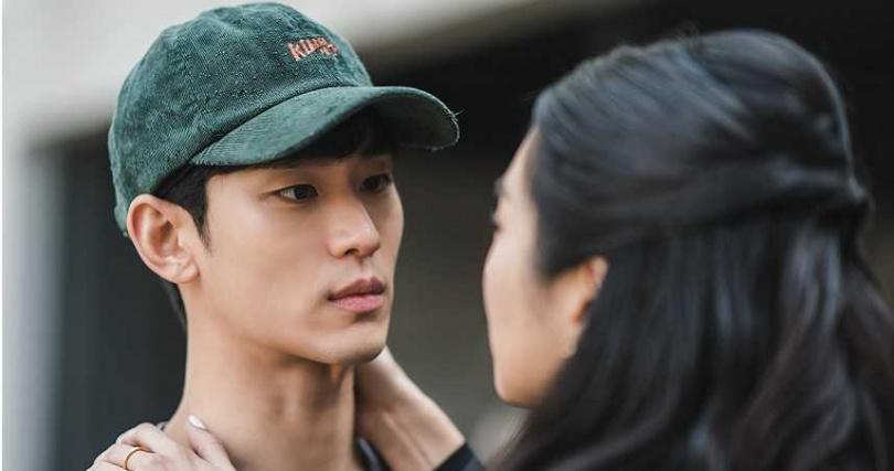 金秀賢主演的《雖然是精神病但沒關係》本周六播出。(圖/Netflix提供)