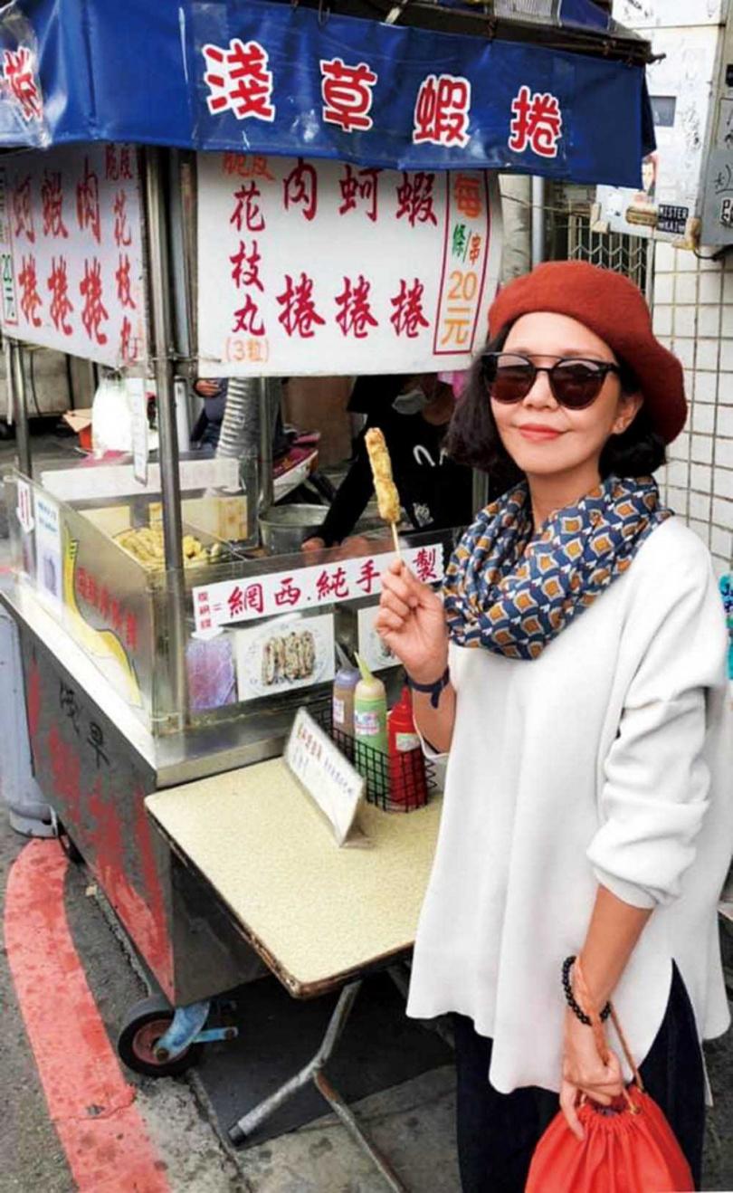 因演出的電影《孤味》在台南拍攝,加深于子育與府城的緣分,戲殺青了仍會到拍攝地回味。(圖/鵲兒喜娛樂提供)