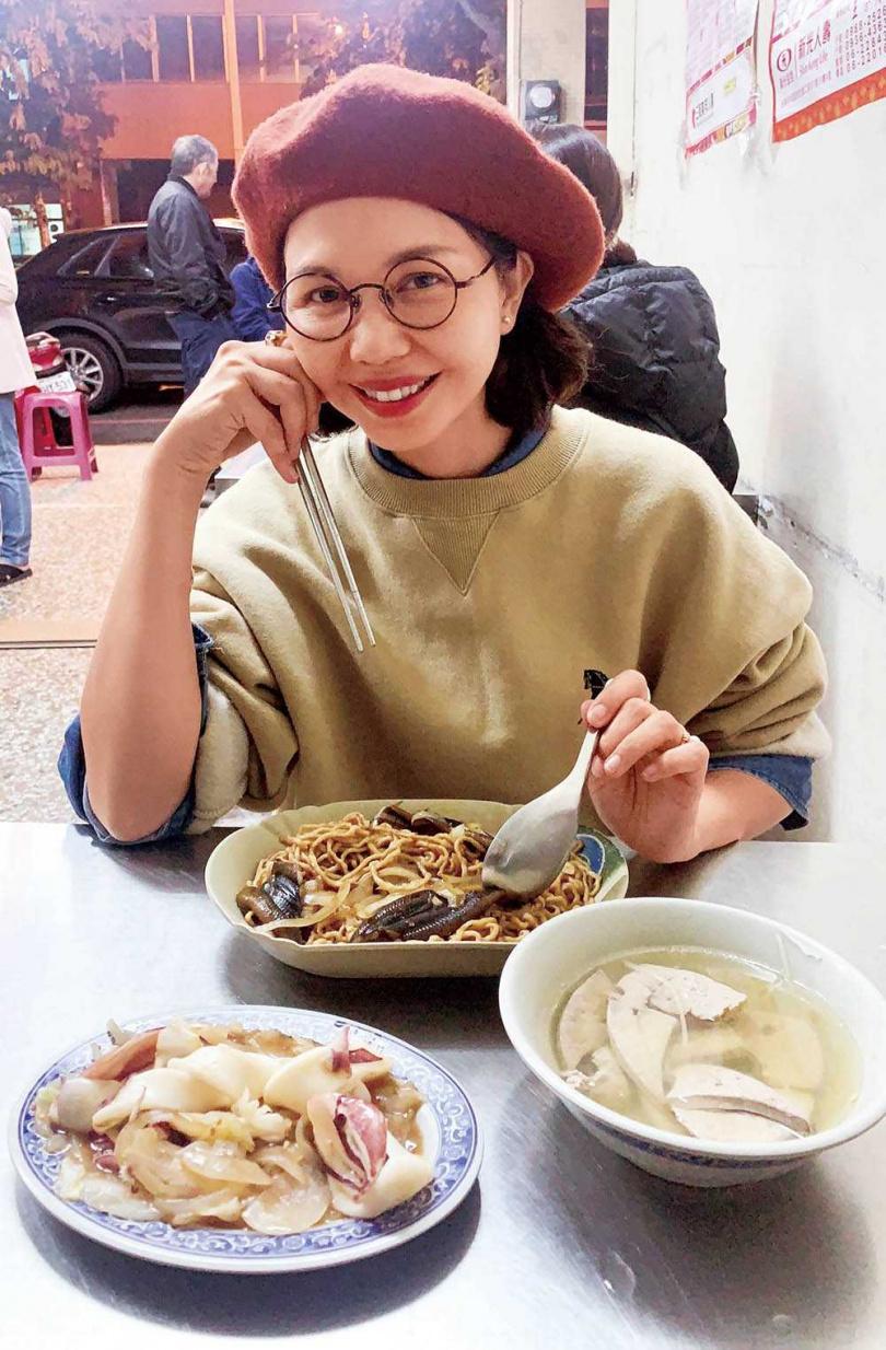 介紹起讓人流口水的鱔魚意麵,于子育笑說想馬上奔到台南來一碗。(圖/鵲兒喜娛樂提供)