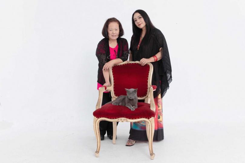 先前高慧君去北京拍戲,Bobo由高媽媽代為照顧,讓高慧君忍不住抱怨Bobo現在只黏媽媽不太黏她了。(圖/彭子桓攝)