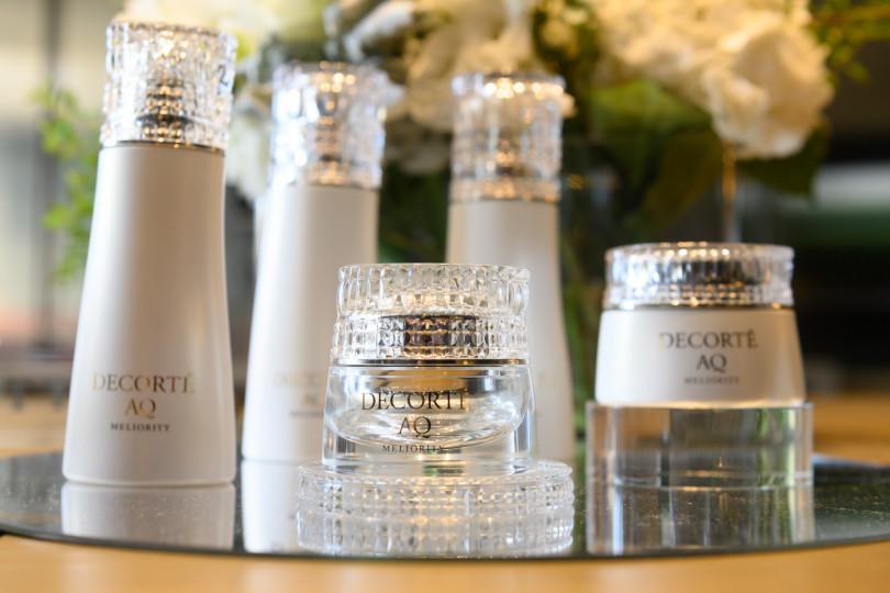 黛珂AQ完美精質全系列的瓶身全新包裝,更凸顯系列的尊貴(圖/黃筱婷拍攝)