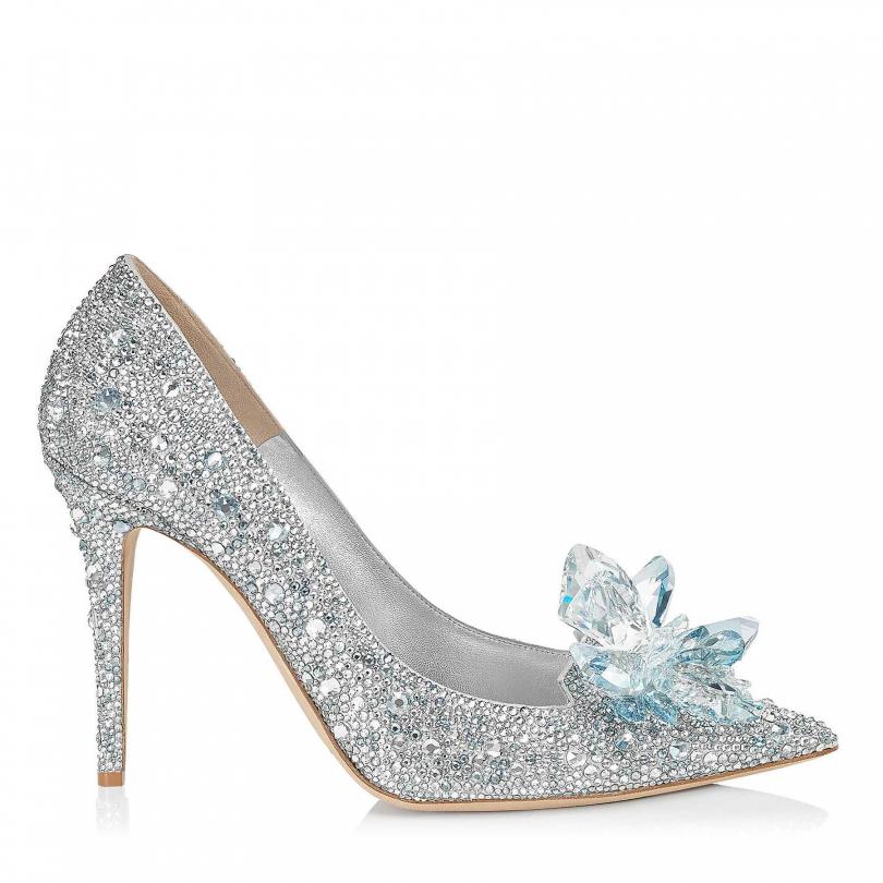 Jimmy Choo Cinderella「Avril」水晶高跟鞋/157,800元。(圖/各品牌)