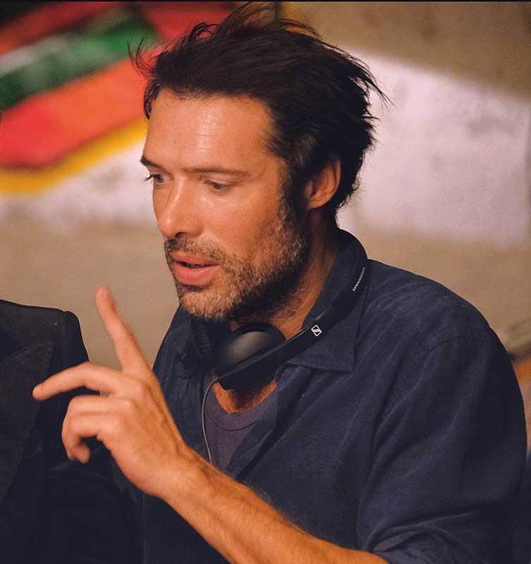 《美好拾光公司》導演尼可拉斯貝多,是法國著名的鬼才男星。(圖/CATCHPLAY提供)