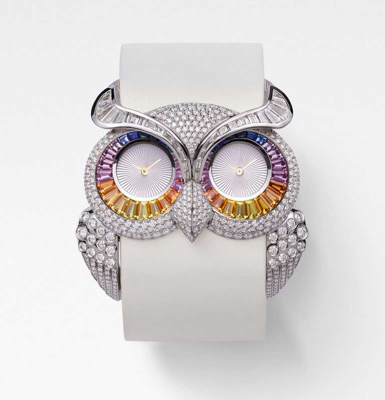 Chopard「Red Carpet紅地毯系列」貓頭鷹珠寶腕錶,18K白金鑲嵌明亮式切割7.5克拉鑽石、1.6克拉鑽石,及梯形切割4.1克拉彩寶╱價格未定。(圖╱Chopard提供)