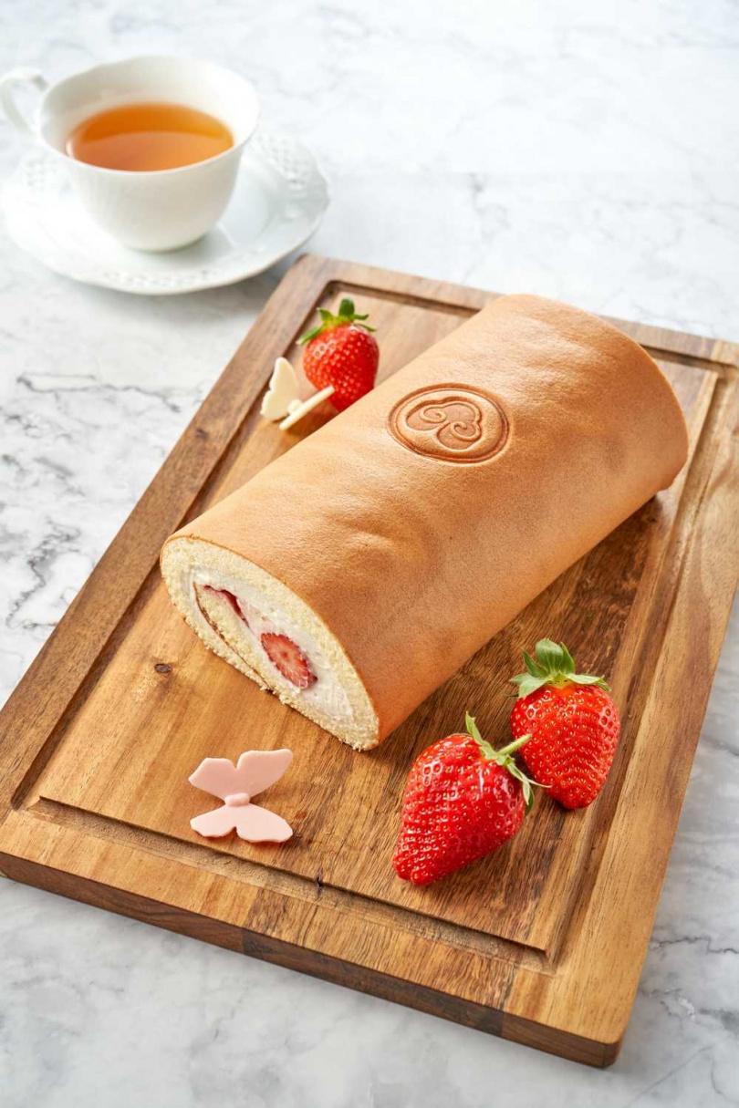 圖為草莓蜂蜜卡士達捲。