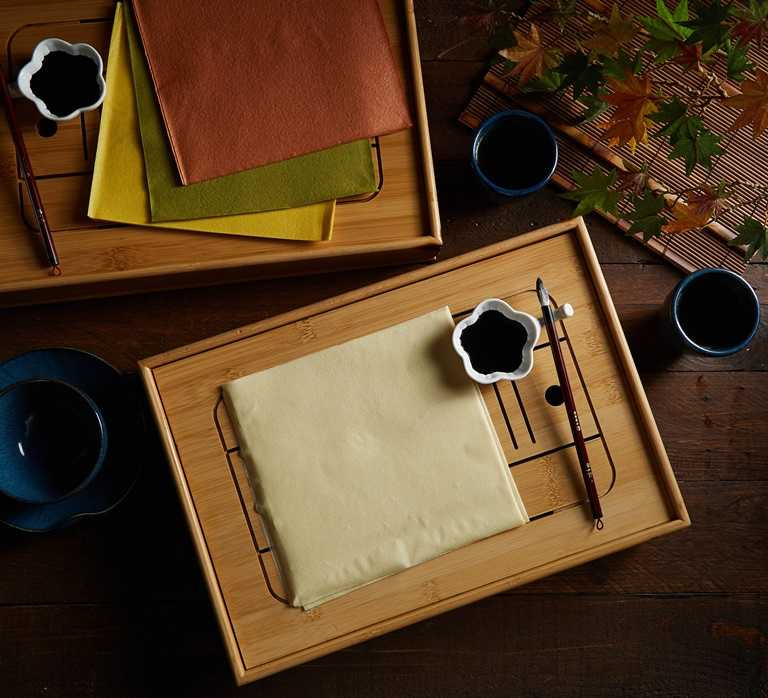 「千張書法組」其實紙張為豆腐紙,墨汁則為墨魚汁。
