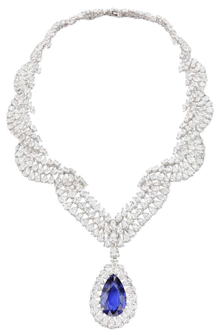 Chopard「頂級珠寶」系列藍寶石套組,項鍊╱價格店洽。(圖╱Chopard提供)