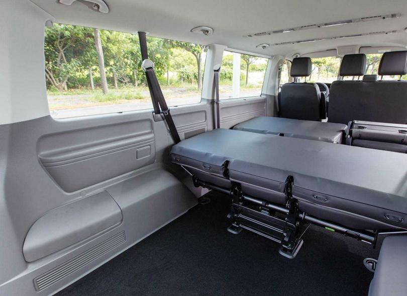 車內座位配置可選擇3/3/3或者2/2/2/3,椅背打平後有更多置物空間。(圖/張文玠攝)