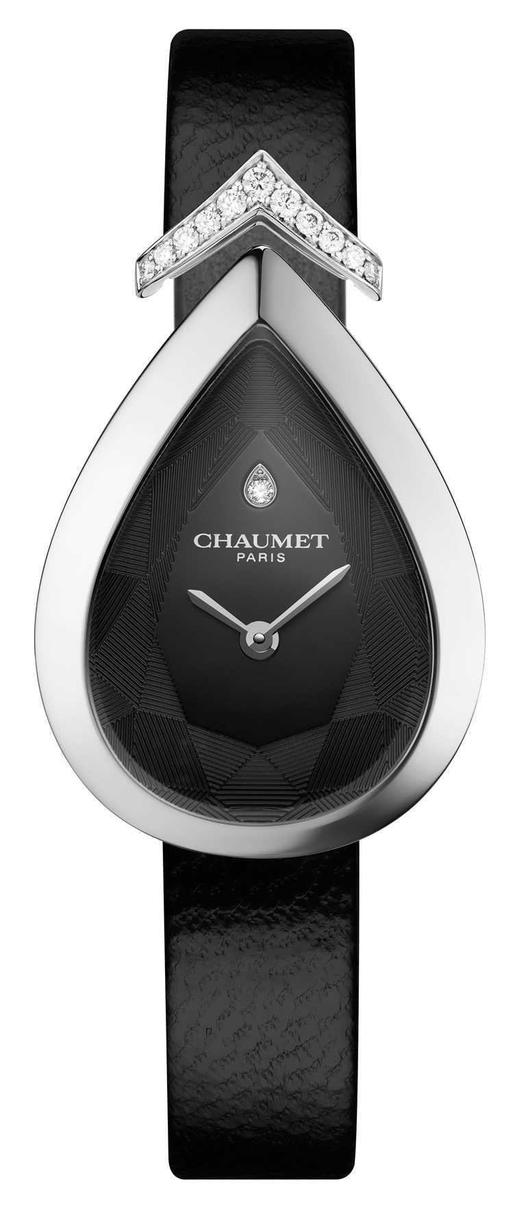CHAUMET「Joséphine Aigrette」18K白金鑲鑽腕錶╱246,700元。(圖╱CHAUMET提供)