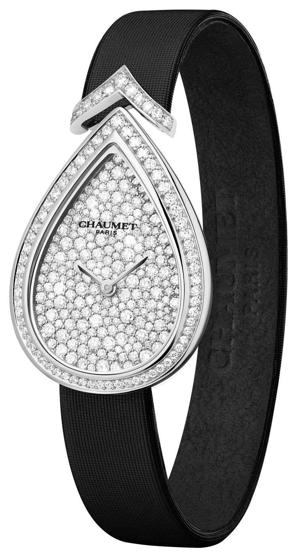 CHAUMET「Joséphine Aigrette」18K白金鑲鑽腕錶,鑽石270顆╱847,700元。(圖╱CHAUMET提供)