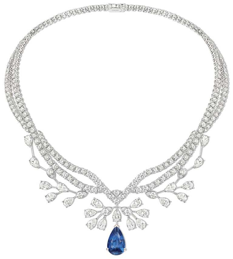 CHAUMET「Joséphine Aigrette Impériale」18K白金鑲嵌梨形藍寶石、鑽石項鍊╱價格店洽。(圖╱CHAUMET提供)