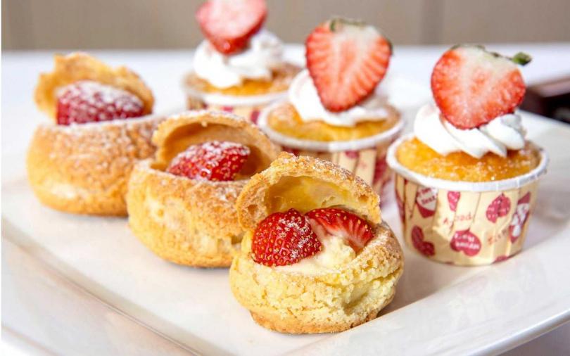 草莓泡芙及草莓杯子蛋糕。(圖/台北凱撒大飯店提供)