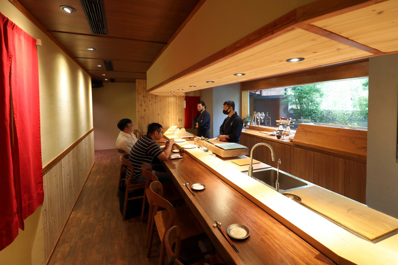 充滿日式風情的「鮨文」,5月初才正式開幕。