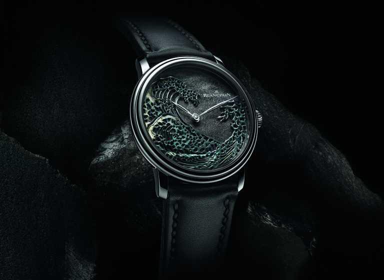 BLANCPAIN「Métiers d'Art大藝術家」系列,「神奈川巨浪」赤銅工藝腕錶╱鉑金錶殼,銀色黑曜石錶盤,42mm╱5,454,000元。(圖╱BLANCPAIN提供)
