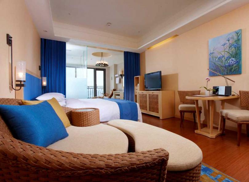 2月14日適逢西洋情人節,義大皇家酒店推出「雙喜臨門」住房專案。