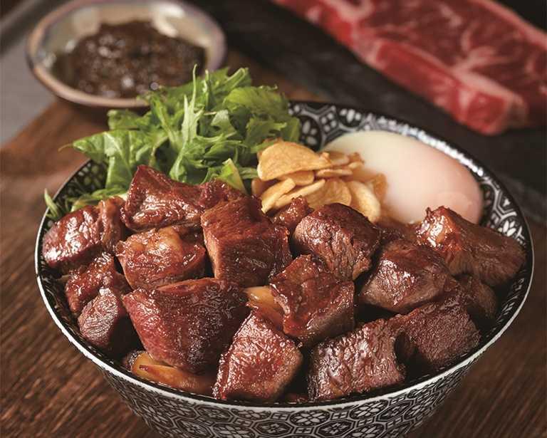 「開丼」推出外帶任一主餐即享5折加購經典燒肉丼。