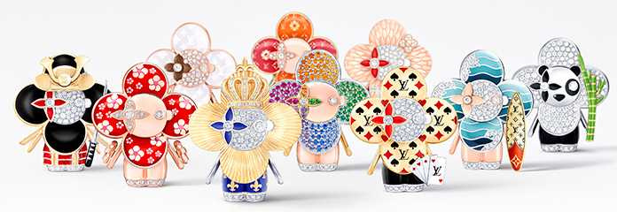全新LOUIS VUITTON「Vivienne Travellers」珠寶系列項鍊吊墜,向路易威登深愛的旅行文化致敬。(圖╱LOUIS VUITTON提供)
