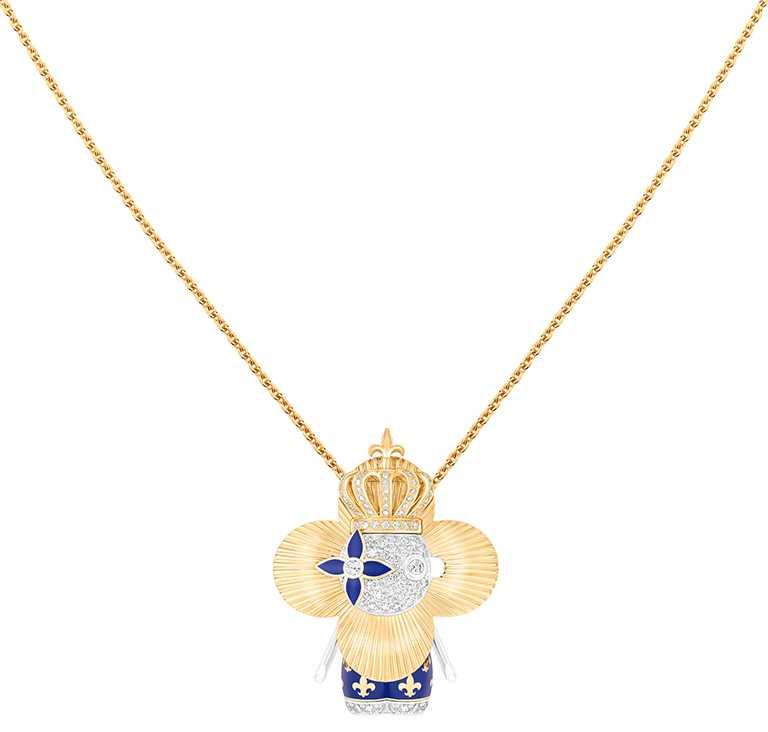 LOUIS VUITTON「Vivienne Royal」黃K金、白K金及亮漆配鑽石吊墜╱1,030,000元。(圖╱LOUIS VUITTON提供)