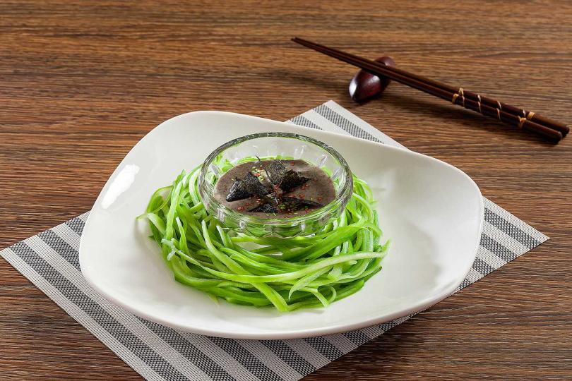 胡麻絲瓜細麵。(圖/富味鄉提供)