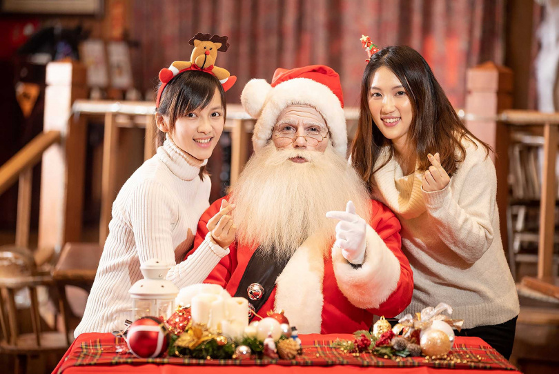 耶誕老公公將會在11/28起(周一除外),於溫馨的耶誕小屋和大小朋友們拍照。