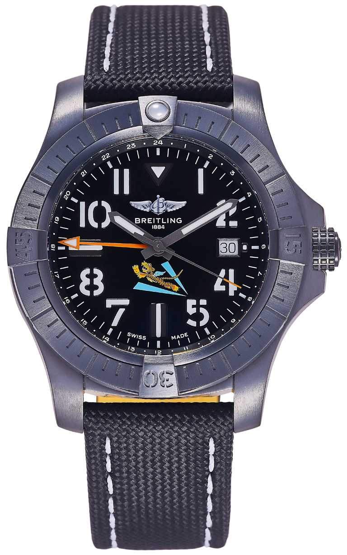 BREITLING「Avenger AVG飛虎隊80周年紀念」台灣限定款腕錶,45mm,黑色DLC鈦金屬錶殼,百年靈32型自動上鏈機芯,全球限量63只,僅限台灣發行╱175,000元。(圖╱BREITLING提供)