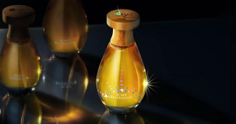 歐萊德咖啡因養髮液 2020限定紀念版100ml/7,680元  每一顆水晶都是由手工師傅精心鑲嵌而成。(圖/品牌提供)