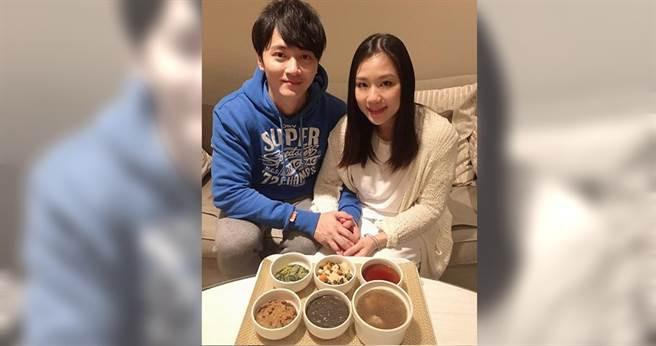 馬俊麟與太太梁敏婷今年才剛生下雙胞胎。(圖/翻攝馬俊麟臉書)
