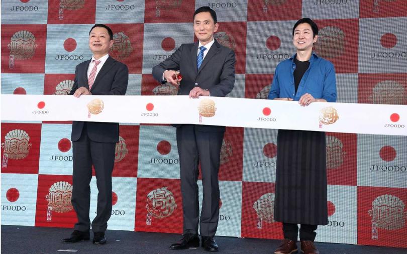 JFOODO於1月16日至1月19日在華山1914文化創意產業園區樹前草地開設快閃料亭,供應以三款日本開運魚製成的美味壽司。(圖/彭子桓攝)